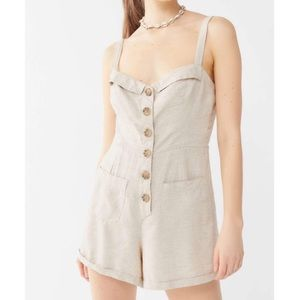 Urban Outfitters Billie Button Romper xs